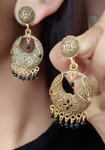 Glourious Black Moti Gold Plated Artificial Earings KLP294