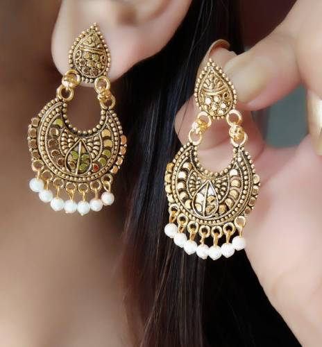 Classic Gold Plated White Moti Imitation Earings KLP301