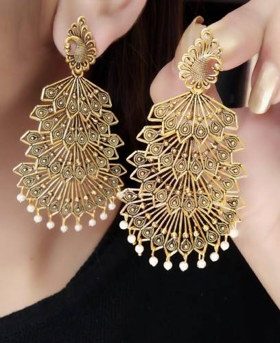 Party Wear Gold Plated Artificial White Moti Earings KLP308