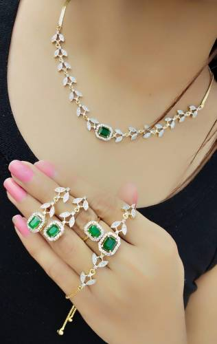 Remarkable Green Diamond Color Jewellery Set For Women